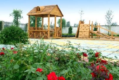 成都王子岛英语幼儿园位于成都市龙泉驿区